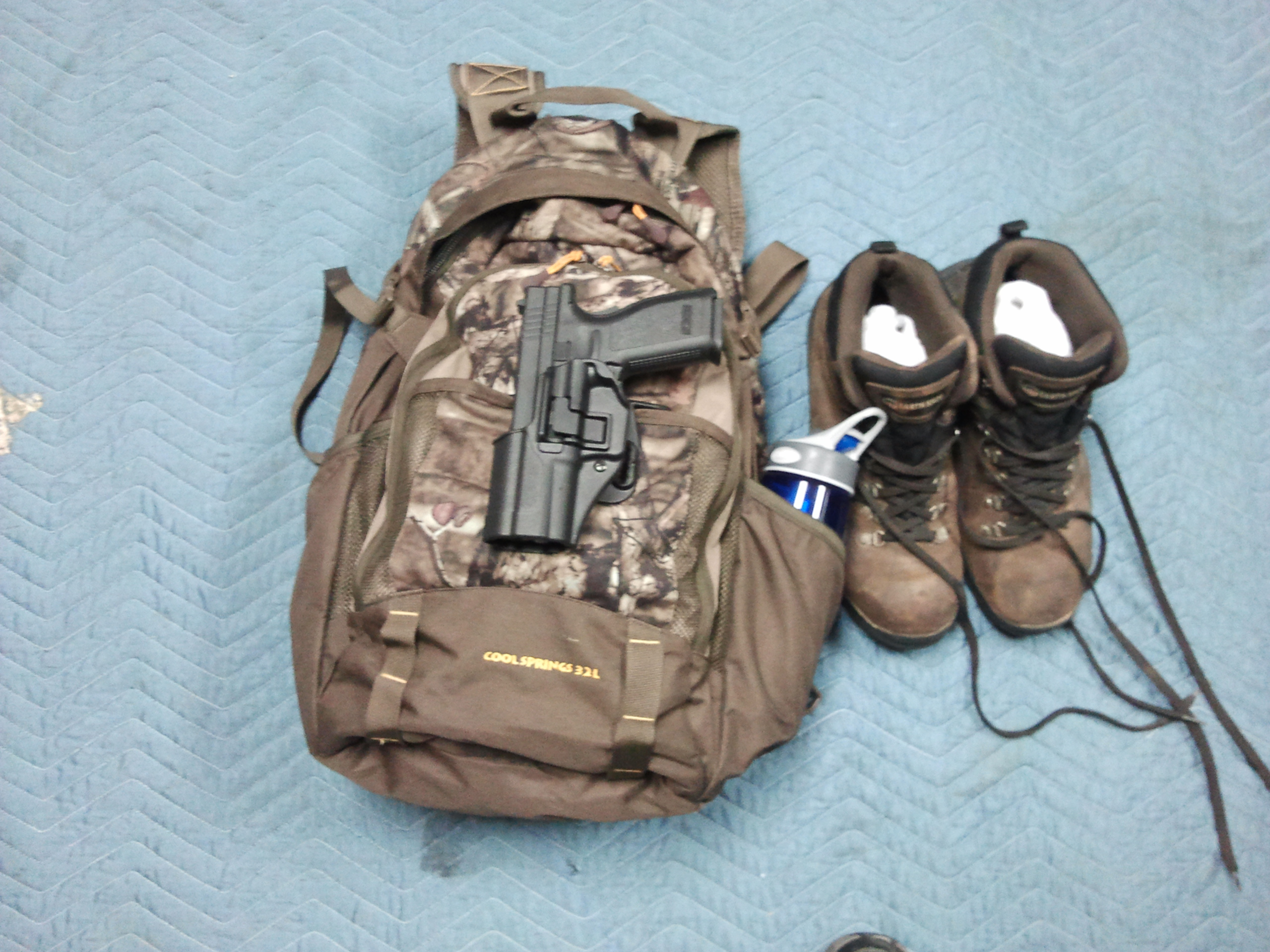 Please Post Pictures of Your Bug Out Bag Here-2013-02-12-21.31.57.jpg