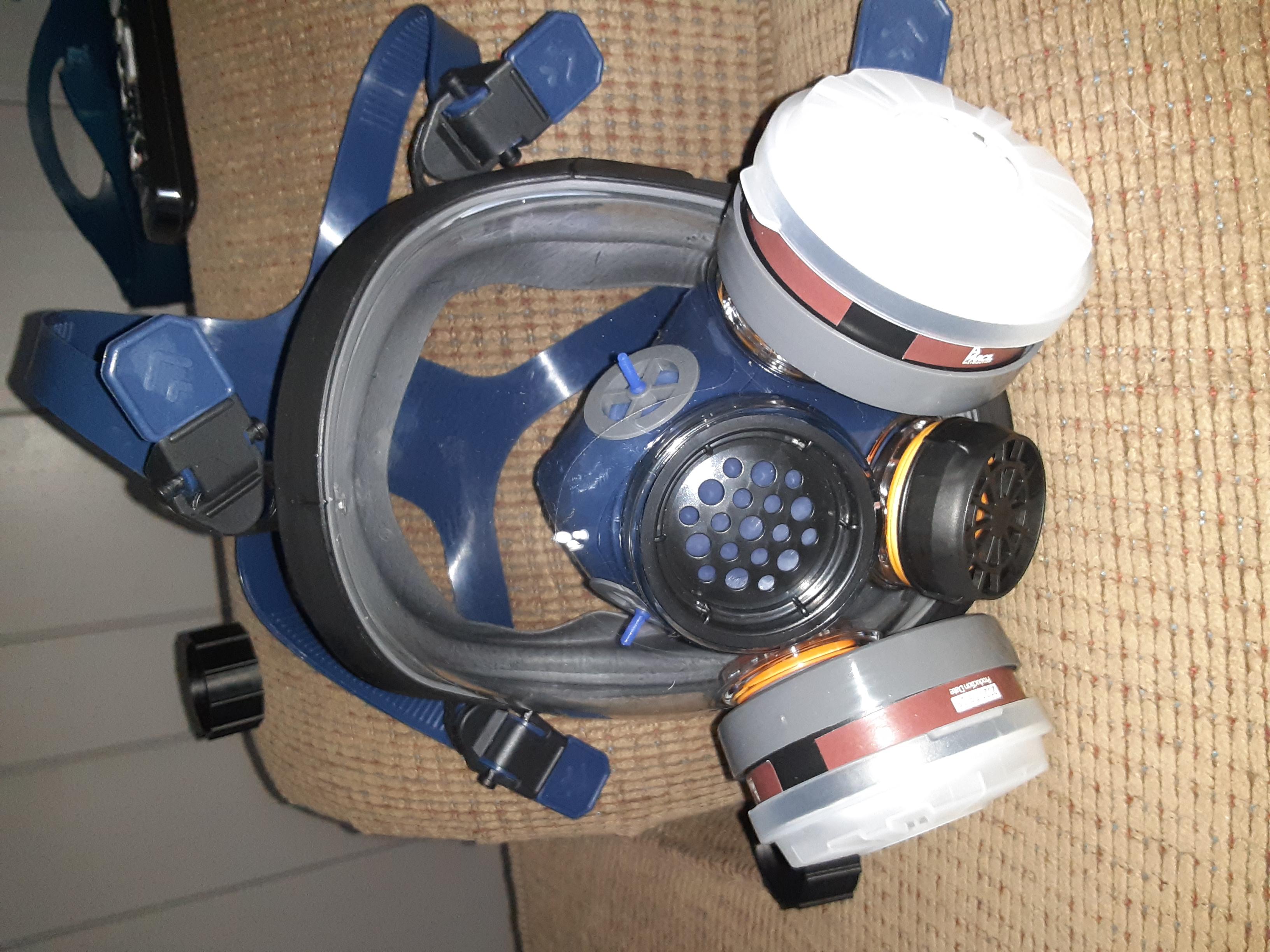 PD-100 full face respirator filter swap.-20200718_205606_1595120500192.jpg