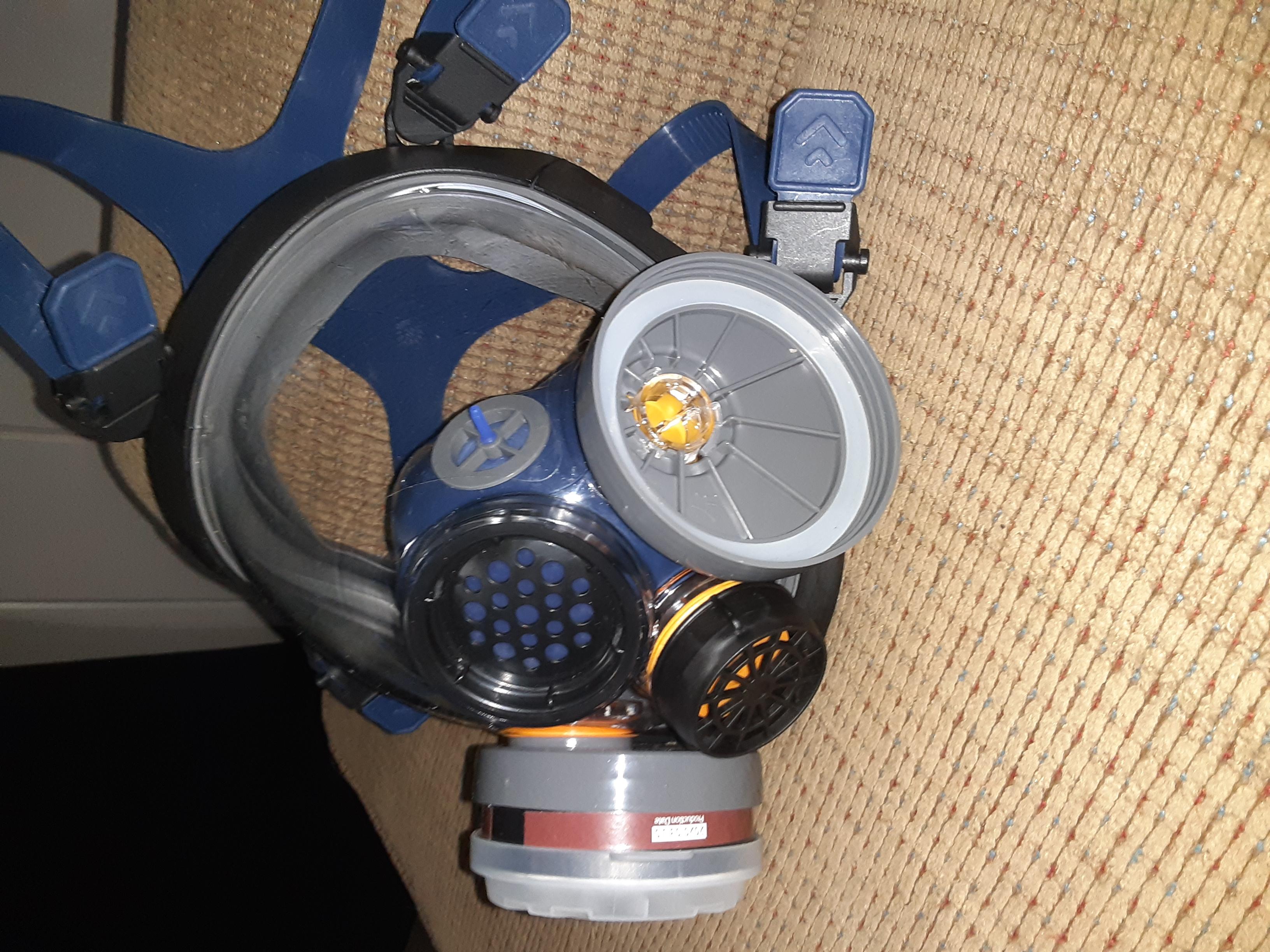 PD-100 full face respirator filter swap.-20200718_205620_1595120516512.jpg