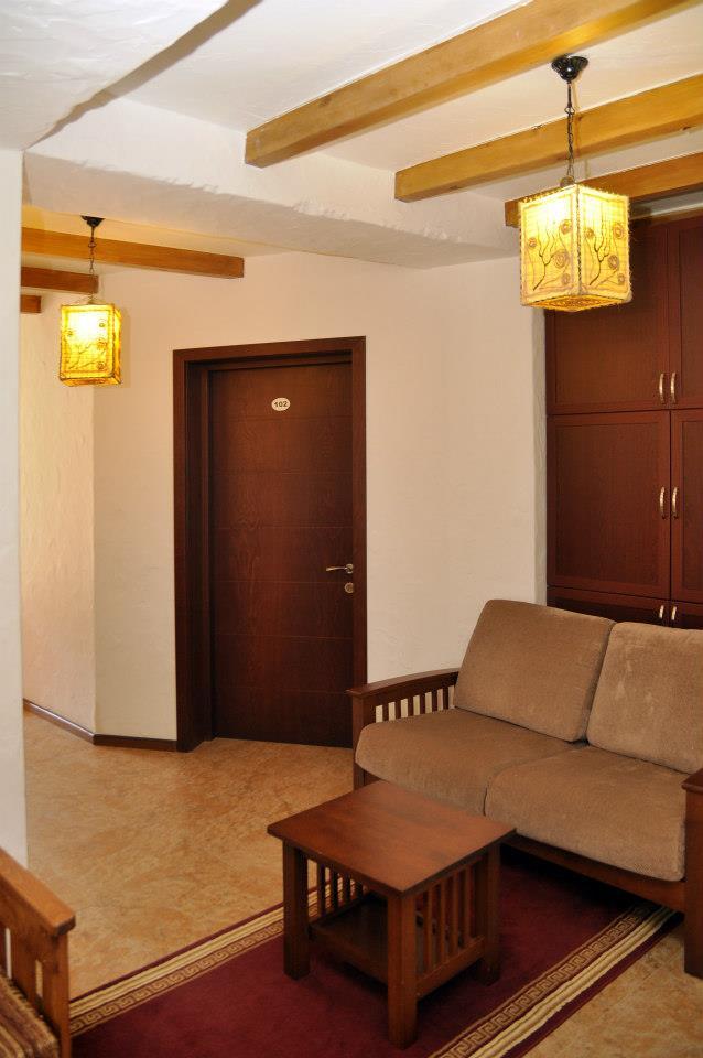 Hotel :)-66045_523357974350869_1913589474_n.jpg