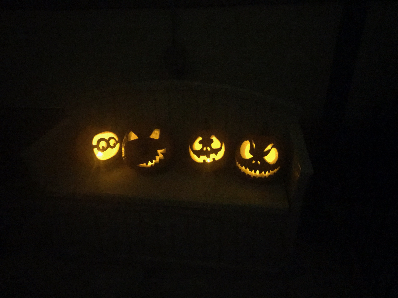Let's do a spooky Halloween lawn decorations thread-four-lil-pumpkins-copy.jpeg