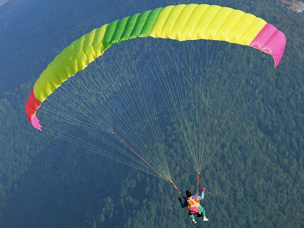 2000 ft of 750  Mil Spec paracord-parachute2.jpg