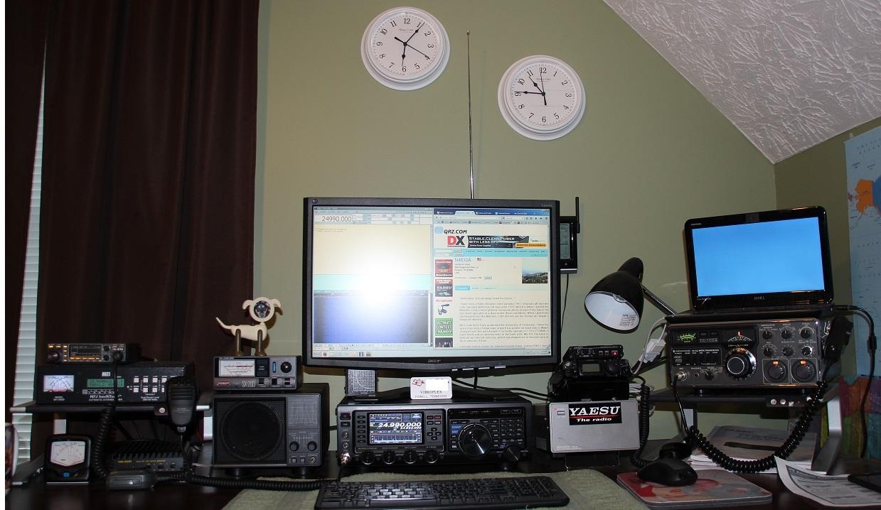 Post Pics of your radios; Ham, SW, CB, etc-shack.jpg