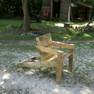 adirondack chair from scrap pallets